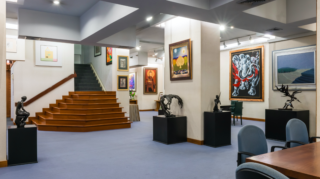 Gallery displays striking works of bronze sculptures and paintings ranging from decorative paintings from local artists and features some modern and contemporary artworks from Thailand's leading artists.